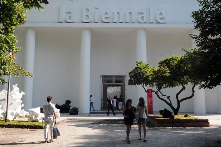 Immagine dell'esterno della Biennale