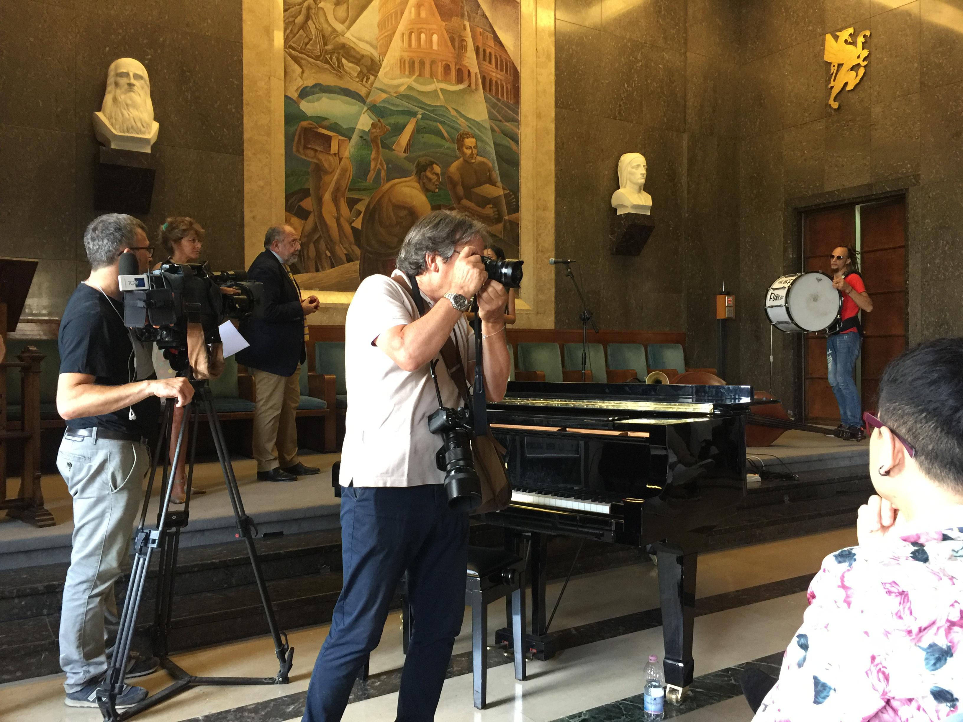 Umbria jazz l 39 umbria e la cina un incontro di culture rel for Camera deputati centralino