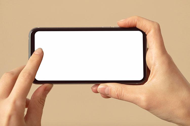 smartphone in posizione orizzontale