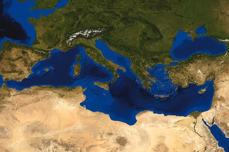 Dettaglio della locandina: immagine satellitare del Mediterraneo