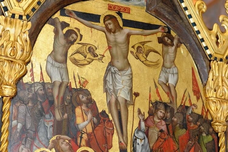 particolare di un dipinto raffigurante Cristo in croce