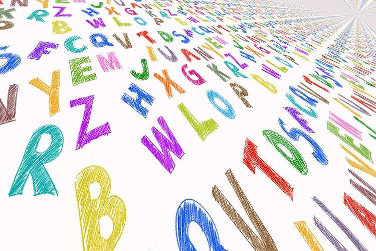 lettere dell'alfabeto di diveri colori