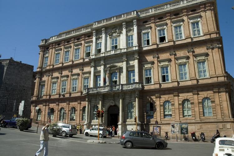 Immagine della facciata di Palazzo Gallenga