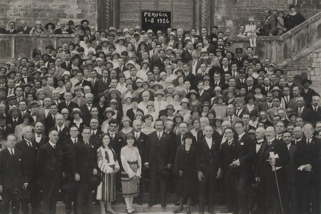 1° agosto 1926 - Gli iscritti stranieri escono dalla Sala dei Notari dopo la prolusione di S. E. il Ministro Fedele