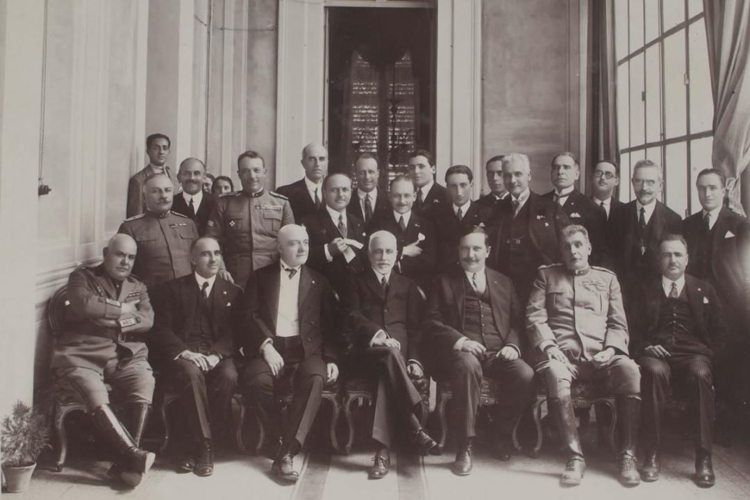 3 luglio 1927 - S. E. Tittoni, Presidente del Senato, dopo la prolusione da lui tenuta per l'anno accademico 1927
