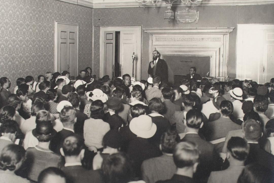 23 agosto 1929 - Lezioe del Senatore Visconti di Modrone trasmessa per radio dall'EIAR