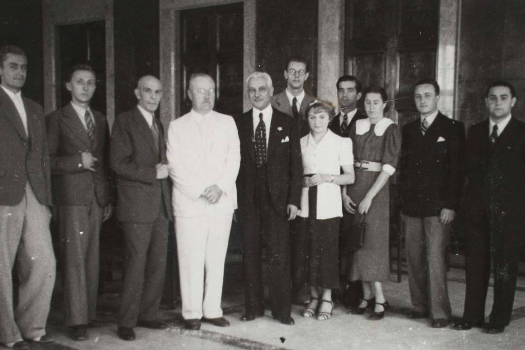 24 agosto 1937 - S. E. l'Ambasciatore di Polonia con il Sen. Bodrero fra gli studenti polacchi