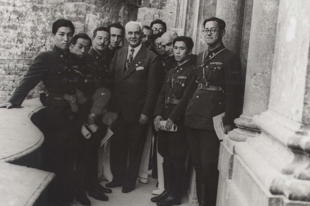 6 agosto 1938 - I rappresentanti  della università del Giappone visitano l'Ateneo