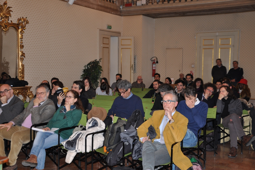 Il pubblico durante la presentazione del libro di Enrico Menduni (Sala Goldoni) Palazzo Gallenga